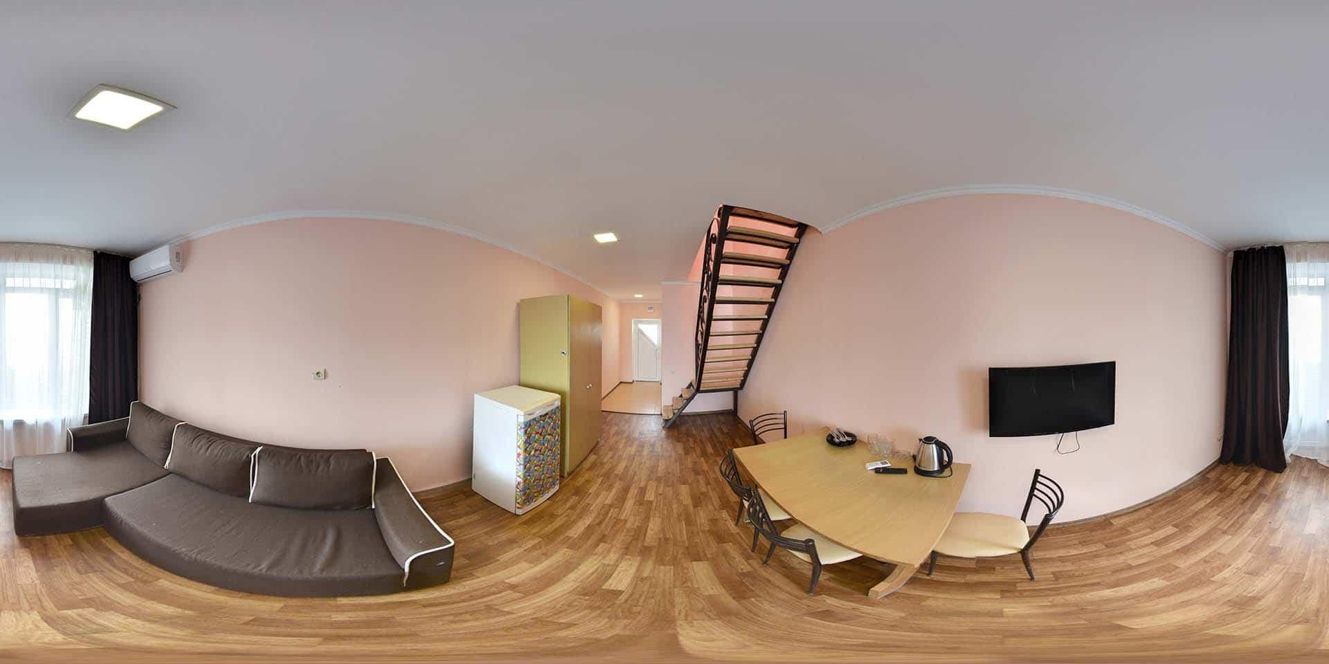 Мансарда.6 мест.3 комнаты.Белый корпус 4 этаж
